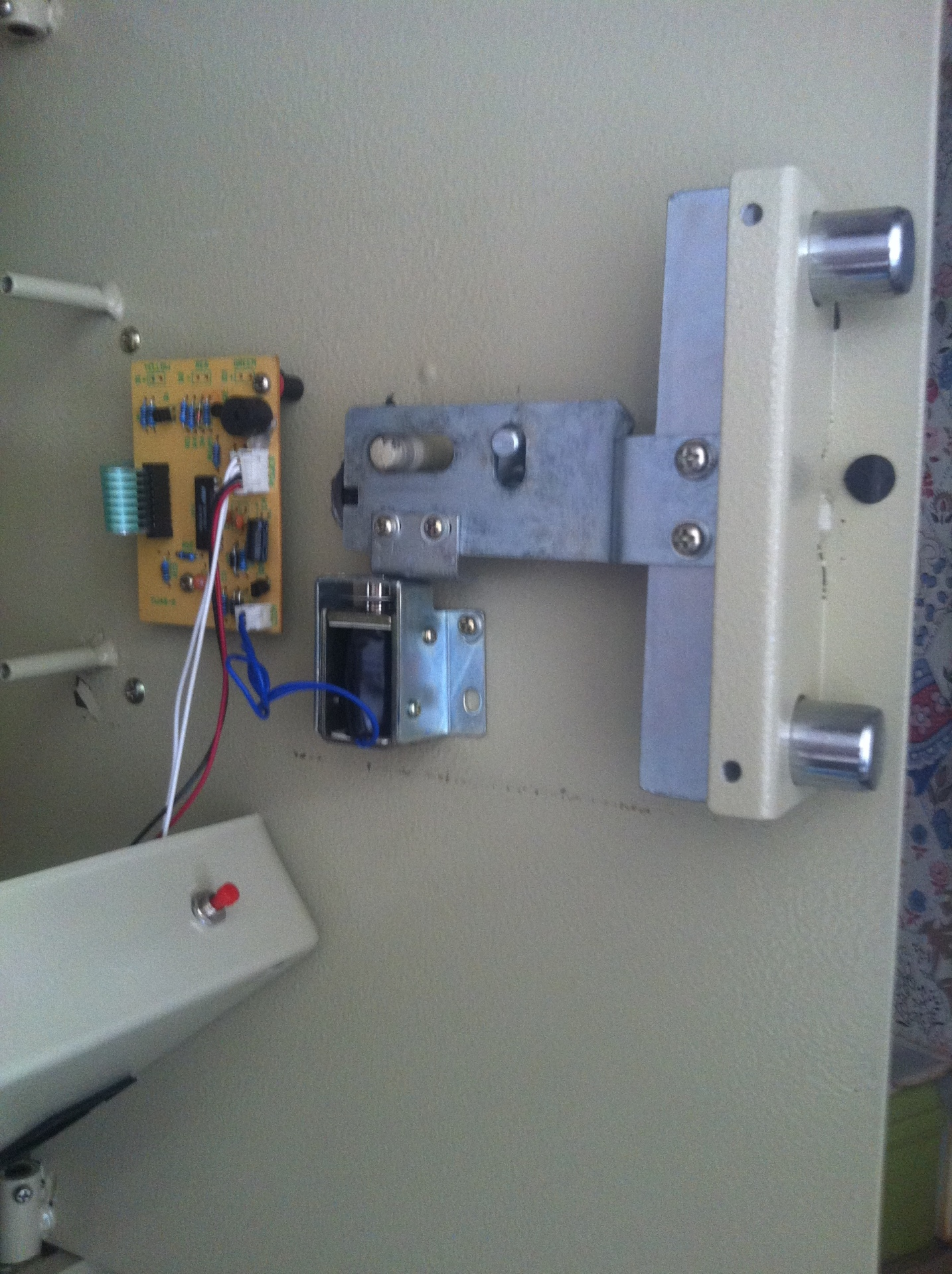 Electronic Safe opened by Local Lock Bromley