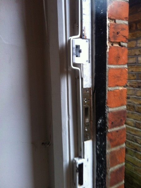 5 Lever BS mortice lock and London bar fitted 2